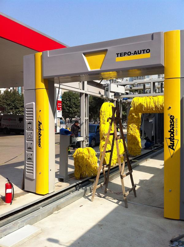PLC TEPO-AUTO Tunnel Car Wash System Energy Saving With Air Drying